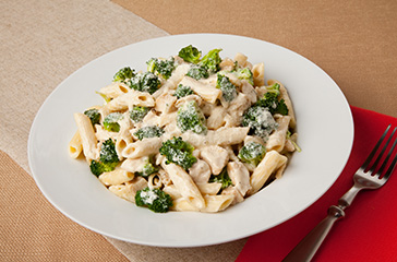 Pasta with Broccoli Chicken and Cream Sauce